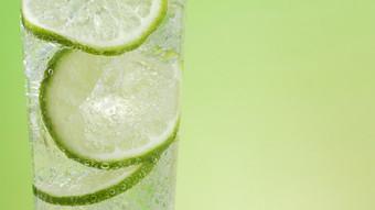 《柠檬冰水》桌面壁纸图1